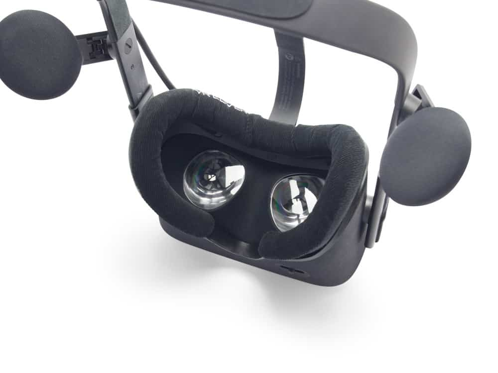 Watch How to Clean Oculus Rift Lenses video